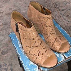 Lucky Platform peep toe shoes